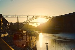 Sunrise on the river (Terry Kearney) Tags: river riverdouroporto riverdouro water waterway waterfront watercourse bridge luísibridgeportoportugal sunrise sunshine sun people boats silhouettes architecture buildingsarchitecture buildingstructure infrastructure portugal portoportugal canoneos1dmarkiv canon daylight day explore europe kearney skyline sky landscape nature oneterry outdoor terrykearney urban unesco weather 2019