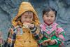 _Y2U1290.0213.Si Ma Cai.Lào Cai (hoanglongphoto) Tags: asia asian vietnam northvietnam northeastvietnam life people dailylife children boy girl hmongpeople thehmong hmongchildren portrait portraitofchildren portraitofchildrenhmong candid candidphoto candidpicture candidcapture candidphotogratphy authenticshooting authenticphoto market ximacaimarket canon canoneos1dx northernvietnam đôngbắc làocai ximacai chợximacai trẻemhmông trẻem cậubé côbé người cuộcsống đờithường ănbánh trẻemănbánh haianhem chândung chândungtrẻem lifechildrennorthernvietnam eye eyes mắt đôimắt eyesofchildren đôimắttrẻem canonef70200mmf28lisiiusm
