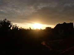 Sunrise, lever de soleil, Cesson, Seine-et-Marne (delphinecingal) Tags: sunrise leverdesoleil cesson seineetmarne sky ciel clouds nuages sun soleil