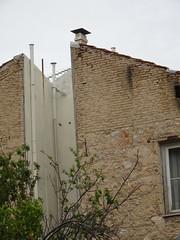 Atenes (visol) Tags: xemeneies xememeie xemeneie xemeneia tximinia chimneys cheminées chimeneas camino chamine chimney vacaciones vacances barbacana arquitectura tejados tejas tejado kaminköpfe roofs rooftops teulades teulas teulat