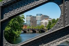 Moabiter Brücke u. Bolle-Gelände (Christa Bronner und Wolfgang Bruchhagen) Tags: berlin architektur bollegelände spreebogen moabiterbrücke