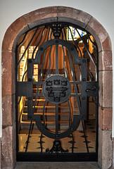 Jolie porte (balese13) Tags: 100nikon 1855mm alsace d5000 montsteodile nikonpassion yourbestoftoday balese fer ferforgé nikon nikonistes pierre porte 500v20f 1000v40f 1500v60f