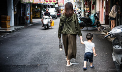 a walk down the day-market road (steve: they can't all be zingers!!! (primus)) Tags: sonysonnartfe55mmf18za sonya7rii sonyfe55mmf18 primelens prime primesonylens taiwan taichungtaiwan taichung candid