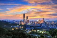 台北虎山 101 夕陽 (Estrella Chuang 心星) Tags: 台北 夕陽 日落 夜景 101 心星 estrella sunset sunrise city taipei nightview taipei101