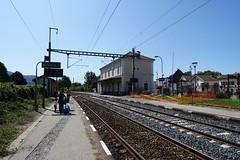 SNCF train station @ Bonneville (*_*) Tags: 2019 ete summer august afternoon sunny europe france hautesavoie 74 bonneville faucigny savoie mountain trainstation gare sncf traintracks rails