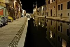 Comacchio (sanino fabrizio) Tags: comacchio emilia romagna notte canali centro storico acqua laguna città paese italia notturnabiancoenerocanon550d