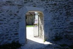Entrance gate @ Château des Sires de Faucigny @ Bonneville (*_*) Tags: 2019 ete summer august afternoon sunny europe france hautesavoie 74 bonneville faucigny savoie mountain castle chateau medieval chateaudessiresdefaucigny