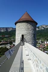 Rampart @ Château des Sires de Faucigny @ Bonneville (*_*) Tags: 2019 ete summer august afternoon sunny europe france hautesavoie 74 bonneville faucigny savoie mountain castle chateau medieval chateaudessiresdefaucigny