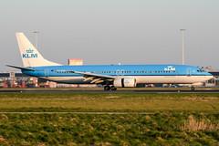 PH-BXR (PlanePixNase) Tags: amsterdam ams eham schiphol planespotting airport aircraft klm boeing 737 737900 b739
