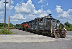 YS IBCX 8340. Construction Trash. Youngstown, OH (bobchesarek) Tags: youngstownsoutheastern railroad ys indianaboxcarcorporation ibcx trains locomotive