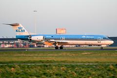 PH-KLE (PlanePixNase) Tags: amsterdam ams eham schiphol planespotting airport aircraft klm cityhopper f100 100 fokker