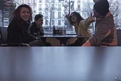 Bib bi ri bib bib bib rambla! (elojeador) Tags: plaza plazadebibrambla plazabibrambla granada árbol cafetería mesa familia grupo prim prima maríaluisa jandri ale alejandra fonluí fonlec alfonsoluis gesto alegría aceitera convoy estufa terraza farola edificio ventana balcón grancafébibrambla sal pimienta carta ohyeah elojeador
