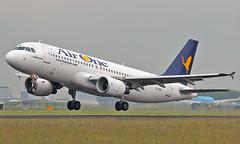 Amsterdam-Schiphol (AMS/EHAM) 08.06.2014 (axeljanssen) Tags: amsterdamaxel08062014 a320 airbus eidsv airone