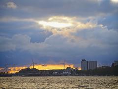 Fehmarn am Abend | Wolken - Sonne - Wasser | 5. Juli 2019 | Fehmarn - Schleswig-Holstein - Deutschland (torstenbehrens) Tags: fehmarn am abend | wolken sonne wasser 5 juli 2019 schleswigholstein deutschland olympus ep5 ef18200mm f35