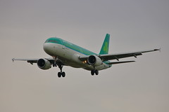 EI-DES (ANDY'S UK TRANSPORT PAGE) Tags: planes heathrow lhr aerlingus a320 2635