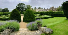 Rainy day (__ PeterCH51 __) Tags: sudeleycastle castle garden panorama pano rain rainyday england queensgarden iphone peterch51 cotswolds winchcombe gloucestershire