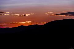 PROFILI NEL TRAMONTO   ---   PROFILES IN THE SUNSET (Ezio Donati is ) Tags: panorama landscape tramonto sunset cielo sky nuvole clouds rossi reds colori colors natura nature italia montideltolfetano lazio canalemonterano
