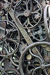 Recycled art (cloolis101) Tags: 119picturesin2019 artinthepark elmpark