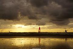 DSC09088 (ZANDVOORTfoto.nl) Tags: sunset sunsets zandvoort aan zee netherlands sea northsea noordzee ondergaandezon zonsondergang nederland surf surfer sun windsurf windsurfing coast sail