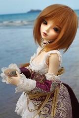 Sera at the beach with a seashell (Mei') Tags: minifee mnf chloe fairyland fairy land doll dolls bjd ball jointed active line beach sea seashell