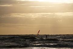 DSC09150 (ZANDVOORTfoto.nl) Tags: sunset sunsets zandvoort aan zee netherlands sea northsea noordzee ondergaandezon zonsondergang nederland surf surfer sun windsurf windsurfing coast sail