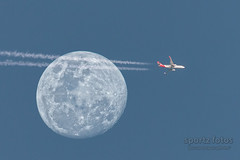 Flyby #2 (317818WLJ) Tags: canon7dmk2 sigma150600mmf563sports 600mm moon vaportrail airplane blue nopeople transportation sky speed airvehicle travel distant flying qantas canberra australia composite handheld boeing 737 sydneytomelbourne august 2019