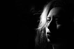 Dramatic theme (-DTF-) Tags: womem woman mujer 50mm canon lowkey clavebaja blackwhite bn portrait retrato blanconegro bw