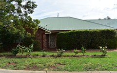 1/ 2-4 Christina Close, Parkes NSW