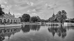 Bang Pa-In – Pavilion and Devaraj-kunlai Gate (Thomas Mulchi) Tags: 2019 bangpainroyalpalace phranakhonsiayutthayaprovince thailand bangpaindistrict bangpain phranakhonsiayutthaya palace summerpalace bw monochrome happyplanet asiafavorites