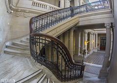 Casa de la cultura de Quilmes (Marina-Inamar) Tags: quilmes casa interior casadelacultura escalera escalones marmol arquitectura edificio antiguo pasamanos reja pasillo ojodepez