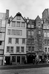 Scotland00181.jpg (thalgyur) Tags: kodaktrix400 2014 scotland scotland2014 leicam7 imagicaslab 35mm noritsuls600 bw