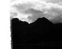 Scotland00254.jpg (thalgyur) Tags: kodaktrix400 leicam7 scotland scotland2014 imagicaslab bw 35mm 2014 noritsuls600