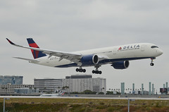 Delta Air Lines A350-941 (N512DN) LAX Approach (1) (hsckcwong) Tags: deltaairlines a350941 n512dn a350900 a350 lax klax