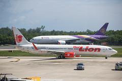 2019_07_24 HKT stock-12 (jplphoto2) Tags: 737 737900 777 777200 boeing737 boeing777 hkt hsltm hstjs jdlmultimedia jeremydwyerlindgren phuket phuketinternationalairport thaiairways thaiairways777200 thailion thailion737900 vtsp aircraft airline airplane airport aviation