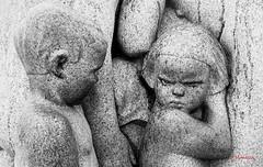 Oslo IMG_1740 (Julian Munilla Rio) Tags: escultura niños enfado