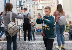Dare to Act (Torsten Reimer) Tags: crowd europa people buildings gebäude boy portugal stairs selfie man steps rucksack woman mobilephone photographers headphones europe treppe lisbon lisboa