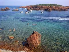 Agay (hans pohl) Tags: france agay var méditerranée océan eau water rochers rocks bateaux boats