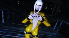 Edina Ferwind (XMymy007X) Tags: skyrim enb tesv lady sexy latex yellow
