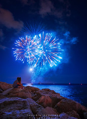 Menton Lovely (Thaurin Geoffrey Photographie) Tags: france menton paysage landscape love amour moon lune ciel sky cloud nuage light roche rocher rock water beach mer eau feu artifice fireworks lovely couple amor see regard night eyes me amateur sony a7ii 1635 zeiss