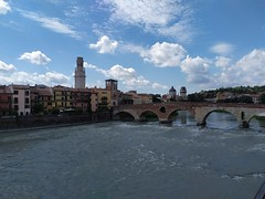 Verona, Ponte Pietra (Marco Fantinato) Tags: verona veneto italy italia panorama paesaggio fiume adige ponte bridge acqua