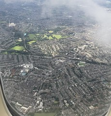 looking south toward Tooting Bec Common, Balham and Streatham (looper23) Tags: south east london airplane view sky air august 2019 heathrow approach