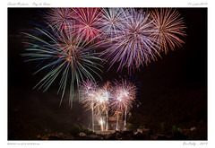 Saint-Nectaire (BerColly) Tags: france auvergne puydedôme saintnectaire feuartifice nuit night fireworks 15aout bercolly google flickr