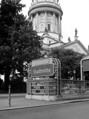 Stadtmitte (ucn) Tags: zeissikondonata2277u adoxchs100ii adoxadoluxatm49 y44filter gendarmenmarkt berlin mitte tessar135cmf45 9x12 deutscherdom