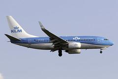 KLM 737-700 PH-BGK at London Heathrow LHR/EGLL (dan89876) Tags: klm royal dutch airlines boeing 737 b737 737700 7377k2 phbgk london heathrow international airport landing runway 27l lhr egll