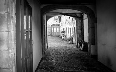 Barnard Castle . (wayman2011) Tags: colinhart lightroom5 wayman2011 fujifilmxe2s uk bw rural mono dales pennines countydurham teesdale barnardcastle markettowns 7artisans25mmf18