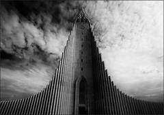 * Hallgrimskirche * (antonkimpfbeck) Tags: polarkreis2019 reykjavik hallgrimskirche island monochrome bw architektur art sakralbauten