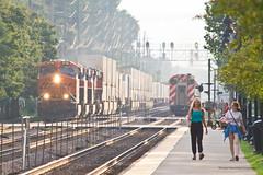 Down At The Station (tim_1522) Tags: railroad railfanning rail illinois il bnsf burlingtonnorthernsantafe bn burlingtonnorthern racetrack chicago sub subdivision metra commuter passenger generalelectric gevo es44c4 c449w intermodal doublestack