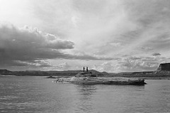 (SamBHart) Tags: 35mmfilm bwfilm bw southwest america usa roadtrip nikonfm2 35mmlens analog analogphotography american lake powell lakepowell utah arizona swimmers landscape submarine