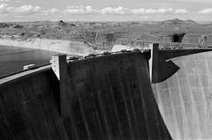 (SamBHart) Tags: 35mmfilm bwfilm bw southwest america usa roadtrip nikonfm2 35mmlens analog analogphotography american lake powell lakepowell utah arizona glencanyondam dam contrast