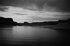 (SamBHart) Tags: 35mmfilm bwfilm bw southwest america usa roadtrip nikonfm2 35mmlens analog analogphotography american lake powell lakepowell utah arizona sunset landscape